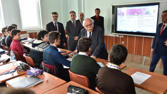 Minister Avcı visits Kütahya Nafi Güral Science High School